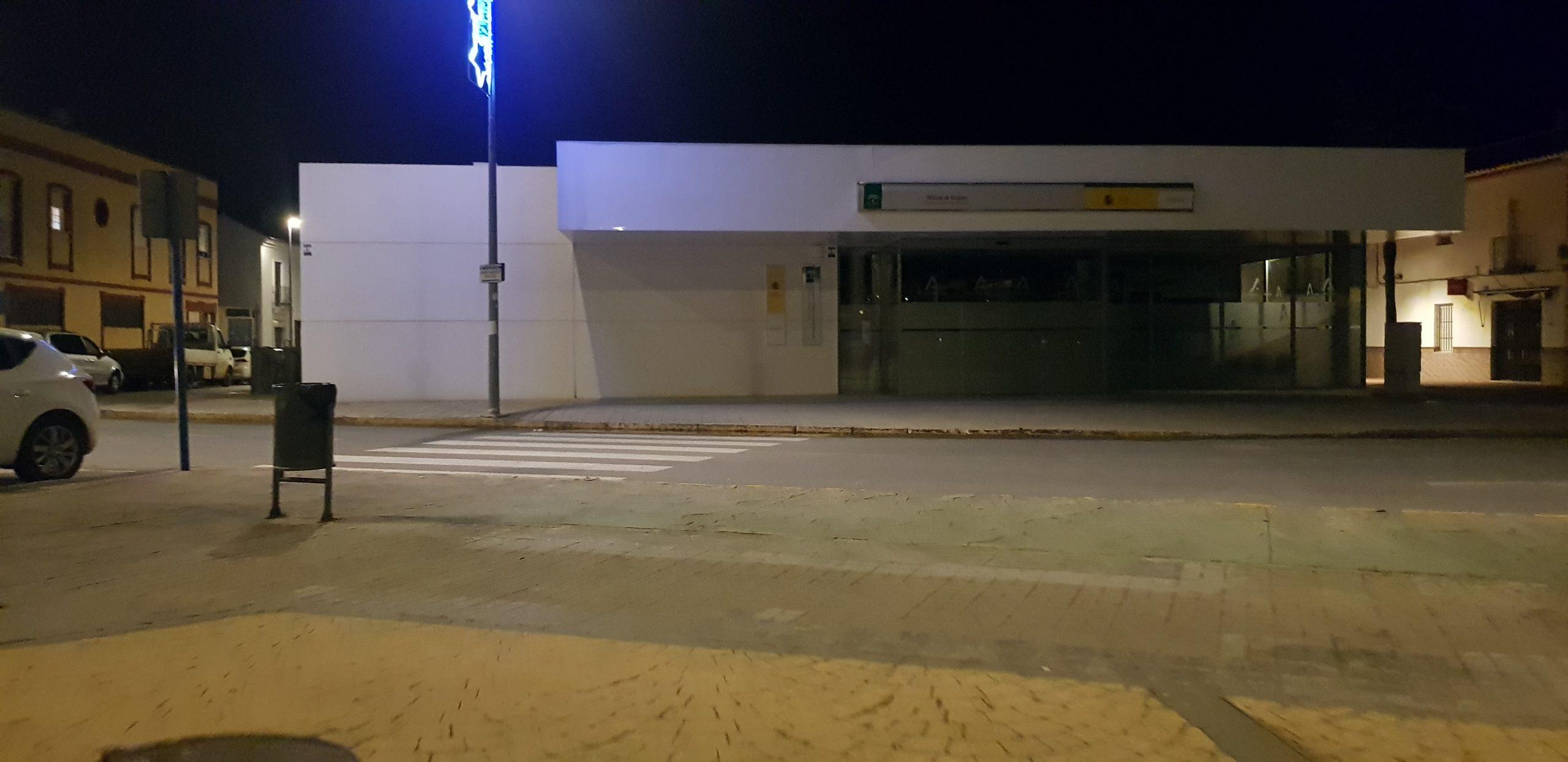 Lugar donde ha ocurrido el suceso, junto a la farola del fondo