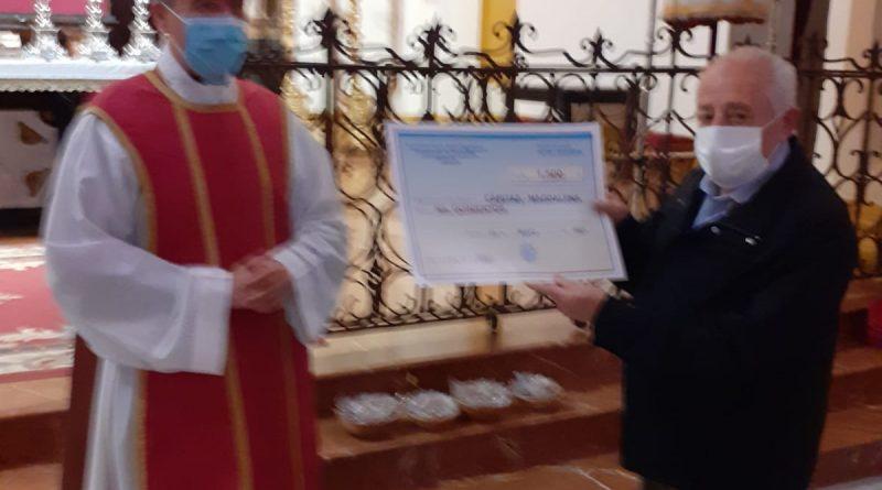 Los niños de catequesis de la Magdalena entregan 1.500€ a Cáritas de su parroquia